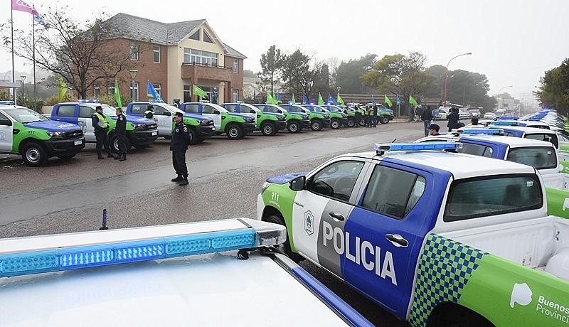 Entregan patrulleros