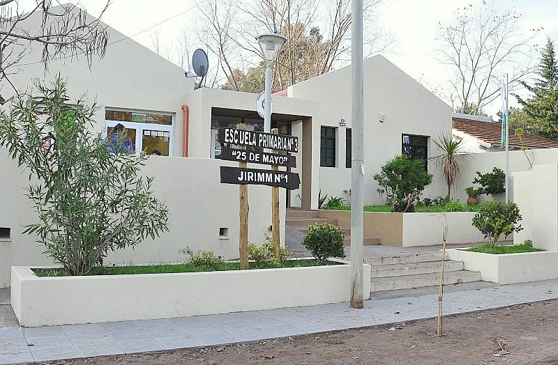 Inauguran sala de escuela de Monte Hermoso