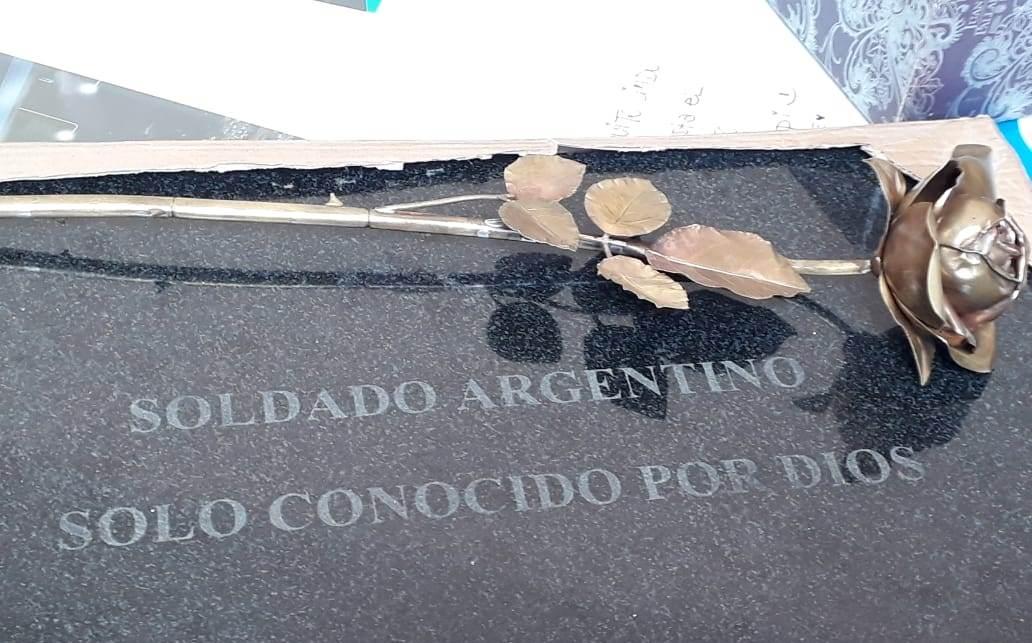 Julio Aro candidato a Premio Novel de la Paz